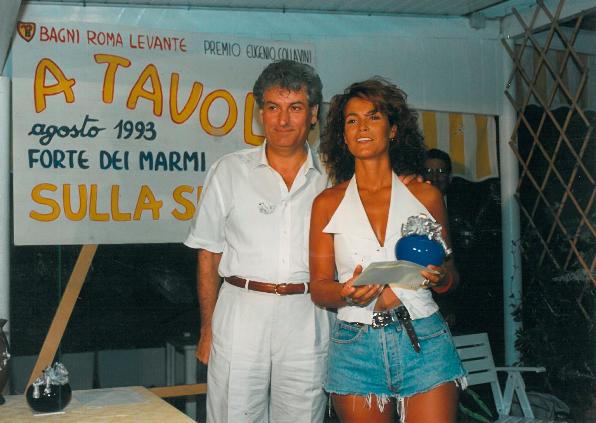 1993 Forte dei Marmi, bagno Roma Levante - - Gherardo Guidi premia Tiziana Zanella