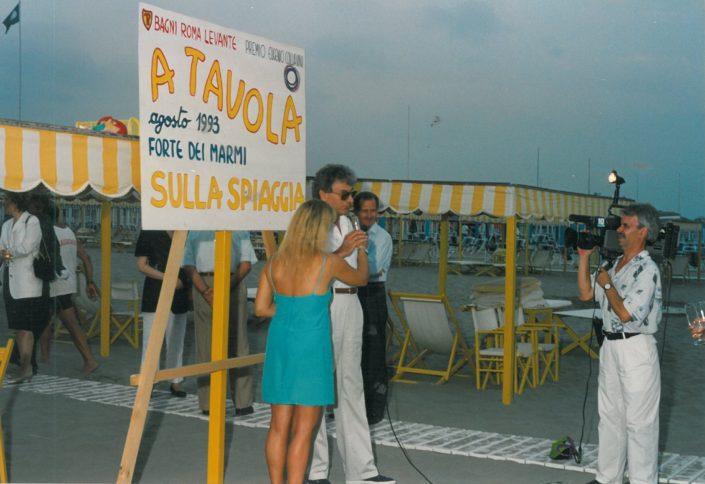 1993 Forte dei Marmi, bagno Roma Levante - Irene Thaon di Revel intervista per Canale 10 Gherardo Guidi
