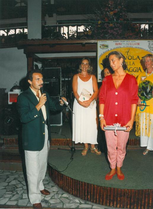1994 - Forte dei Marmi, La Capannina - Alberto Mattei conduce la premiazione