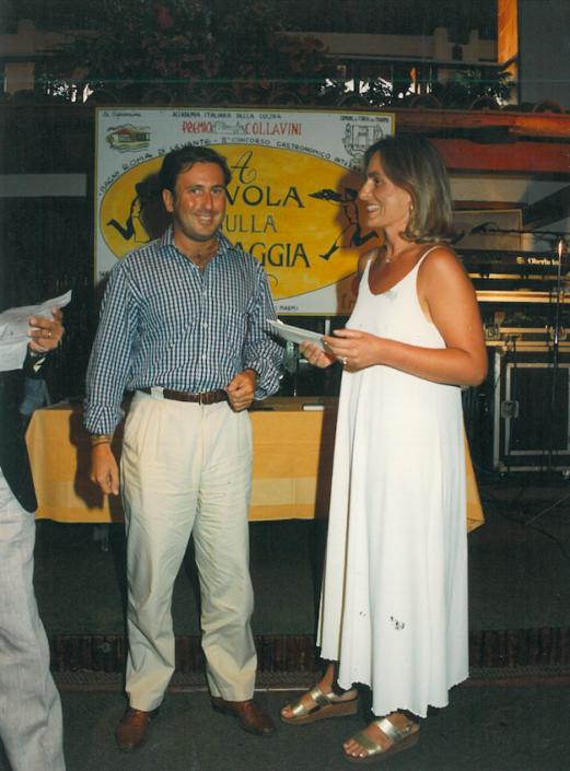 1994 - Forte dei Marmi, La Capannina - Gabriela Ghirlanda premia Beba Grida