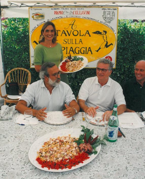 1994 - Forte dei Marmi, bagno Roma Levante - Enrico Ferri, Tony May e Beba Grida e la sua insalata di farro e moscardini