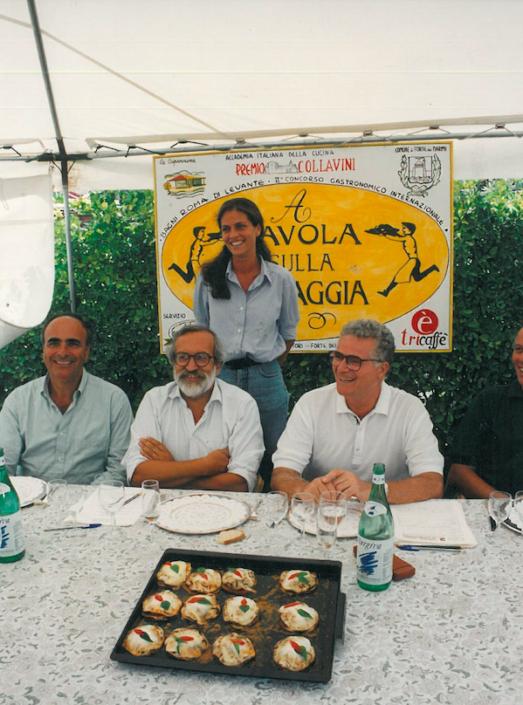 1994 - Forte dei Marmi, bagno Roma Levante - Riccardo Marasco, Enrico Ferri, Tony May e Alexandra Ern con le sue melanzane
