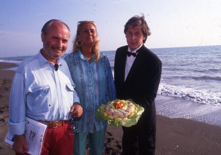 1996 - Marina di Castagneto Carducci, spiagga Le Sabine - Gianni Mercatali con Marchesa Francesca Antinori