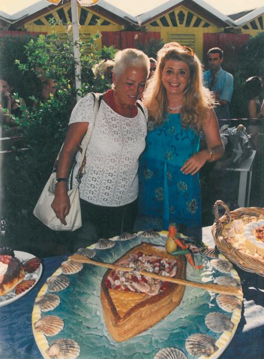 1998 - Forte dei Marmi, bagno Roma Levante - Edi Bocelli, madre di Andrea con Velleda Tommei