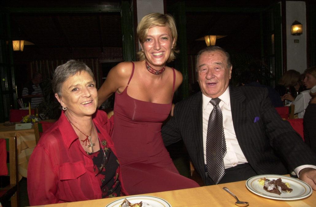 2002 - Forte dei Marmi, La Capannina - La Principessa Liliana de Curtis, Figlia di Totò, Anna Maschio con Sirio Maccioni