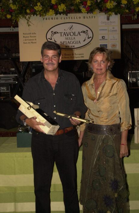 2002 - Forte dei Marmi, La Capannina - Marco Rogai premiato da Miki Canarca