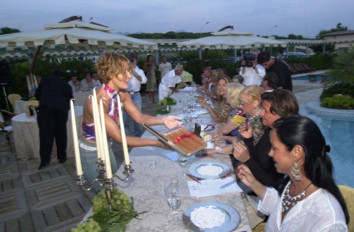 2002 - Forte dei Marmi, bagno Roma Levante -Si offrono i sigari in degustazione