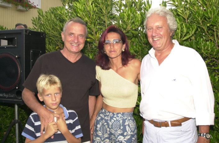 2002 - Mario Razzanelli con il figlio, Paola Soderi e Paolo Moretti